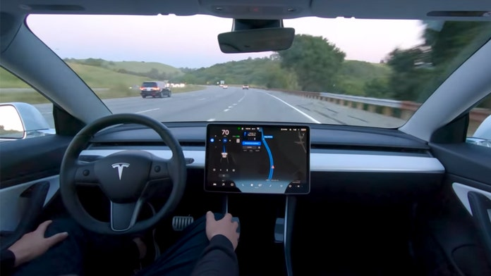 Elon Musk says Teslas will be able to drive themselves to work by the end of 2019