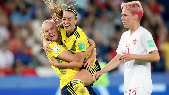Sweden eases past Canada to reach Women's World Cup quarterfinals