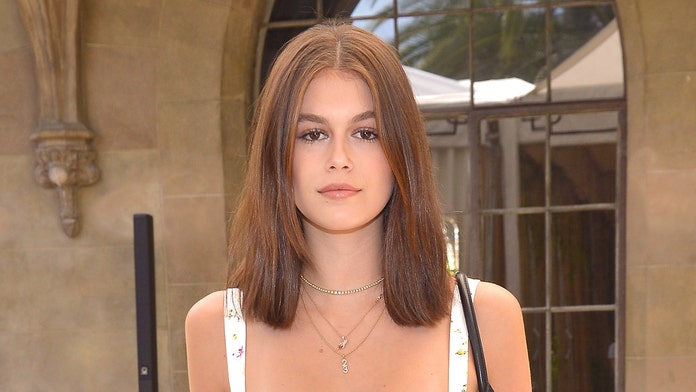 Model Kaia Gerber debuts dramatic new haircut