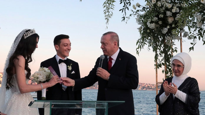 Turkish president Erdogan attends wedding of soccer star Mesut Ozil, a year after World Cup controversy