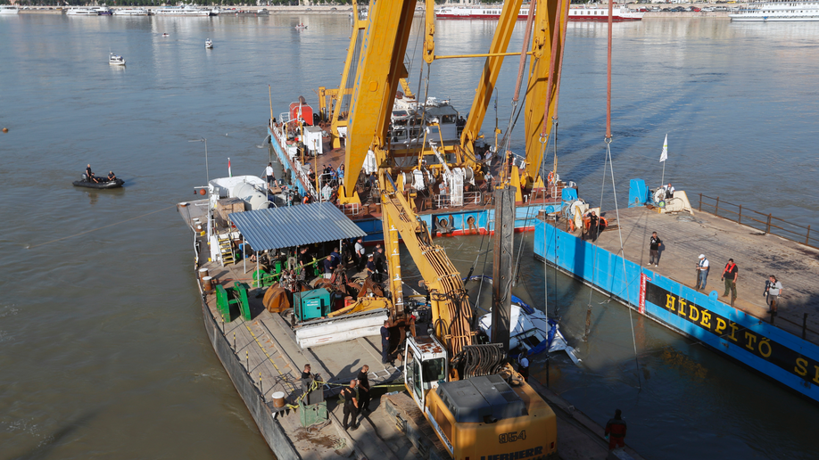 More Bodies Found as Disaster River Cruise Boat Raised in Budapest