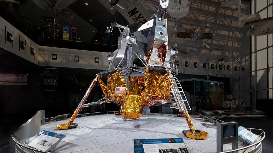 apollo space landing anniversary - photo #39