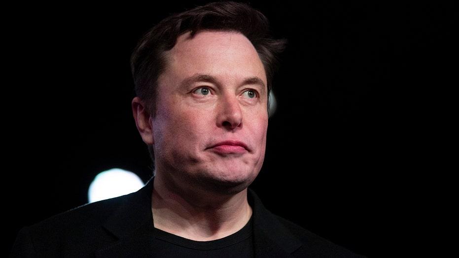 Elon Musk mistakes the Moon for Mars