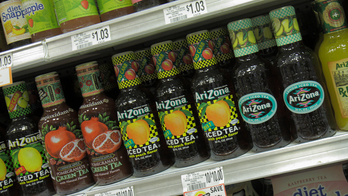 Texas teen spits into Arizona Iced Tea bottle and puts it back on shelf, gets charged with felony