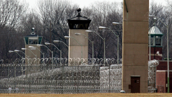 Female detention officer fired after discovery of love note to male inmate: report