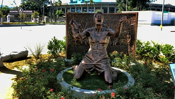 Brandi Chastain's iconic Women's World Cup moment immortalized with statue outside Rose Bowl