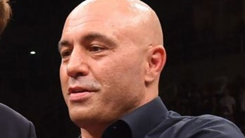 Joe Rogan would vote for President Trump over Joe Biden: 'I don鈥檛 think he can handle anything'