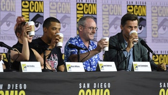 'Game of Thrones' cast jokes about coffee cup, talks finale backlash at Comic-Con panel