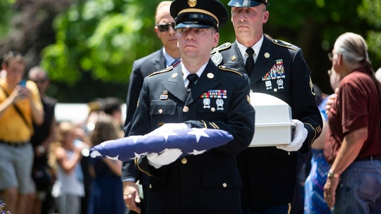 More than 1,000 people attend Michigan funeral for Vietnam veteran