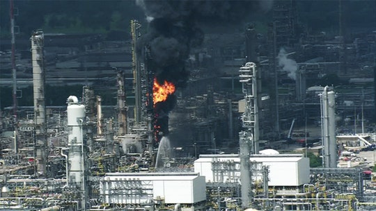Explosion, fire injure 37 at Houston-area ExxonMobil refinery