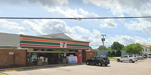 Westlake Legal Group 7-eleven 'Hero' customer, a licensed gun owner, shoots 2 robbery suspects at 7-Eleven: reports fox-news/us/us-regions/southeast/virginia fox-news/us/personal-freedoms/second-amendment fox-news/us/crime fox news fnc/us fnc Brie Stimson article 18d2a9b6-c986-5c3b-962a-584f1d3d780f