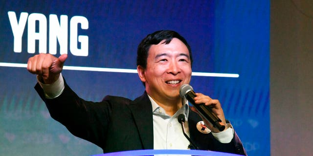 Westlake Legal Group AP19173684995969 Andrew Yang proposes 'giant space mirrors' to tackle climate change fox-news/science/planet-earth/climate fox news fnc/science fnc Christopher Carbone article 0e9f74c7-b65f-5907-8b50-17fd67a34097