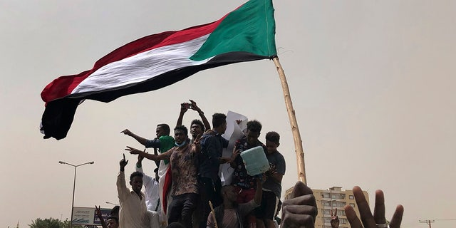 Westlake Legal Group AP19186130255412 Sudan military agrees to sharing power, protesters claim victory for their 'revolution' fox-news/world/world-regions/africa fnc/world fnc Associated Press article 4915558d-81d5-54e5-b964-e84de5057388