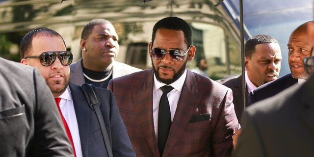 Judges to decide on bond hearings for R. Kelly indictments