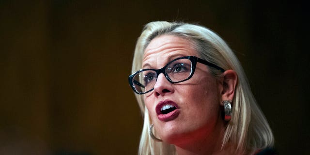 Westlake Legal Group AP19197731383476-1 Arizona Dem Kyrsten Sinema joins GOP in push for program that would quickly deport migrants without valid asylum claims fox-news/us/us-regions/southwest/arizona fox-news/us/immigration/border-security fox-news/politics/senate/democrats fox news fnc/politics fnc article Adam Shaw 3d0f9817-d170-5cca-b2e8-31b1a6521b2e
