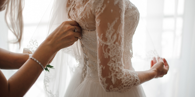 When a cousin refused a last-minute ask to be in a marriage party, a indignant bride told her she was a usually one large adequate to fit into a dress.