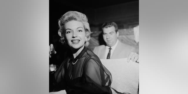 Kathleen Hughes and Frank Worth in Los Angeles, Calif. (Photo by Earl Leaf/Michael Ochs Archives/Getty Images)