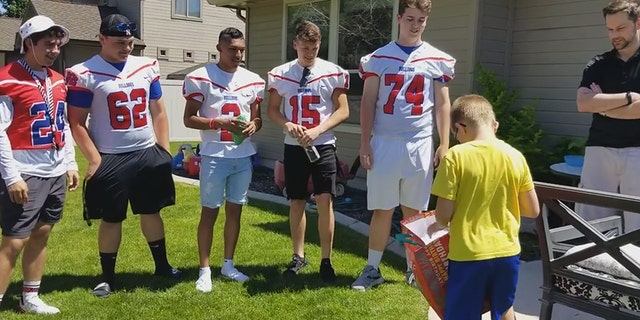Westlake Legal Group HS-football-team-and-kid Idaho high school football team attends autistic boy's birthday party after only one classmate accepts invitation Talia Kaplan fox-news/us/us-regions/west/idaho fox-news/us fox-news/newsedge/sports fox-news/health/healthy-living/childrens-health fox-news/good-news fox news fnc/health fnc article 4c125bb4-5f9f-5f14-bed6-9065f0a2e26b