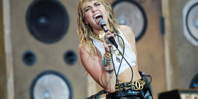 GLASTONBURY, ENGLAND - JUNE 30: Miley Cyrus performs on The Pyramid Stage during day five of Glastonbury Festival at Worthy Farm, Pilton on June 30, 2019 in Glastonbury, England.