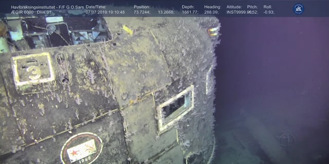 Undersea worker Ægir 6000 prisoner footage of a Soviet-era Komsomolets submarine.