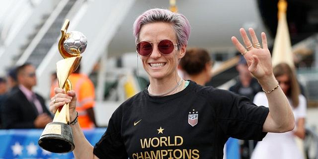 Westlake Legal Group SOC-Megan-Rapinoe11 Megan Rapinoe calls on soccer's top male stars to help her fight racism, sexism: 'Do they fear losing everything?' Ryan Gaydos fox-news/sports/soccer fox-news/person/megan-rapinoe fox-news/person/cristiano-ronaldo fox news fnc/sports fnc article 31065347-4768-554c-8610-a45f67e06d03