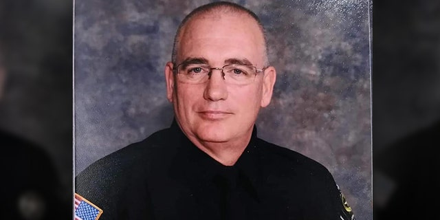 Westlake Legal Group Sheriff-Sergeant-Mike-Sephen Arkansas sheriff's deputy killed in shooting after responding to domestic call, police say Talia Kaplan fox-news/us/us-regions/southeast fox-news/us/us-regions/midwest/arkansas fox-news/us/crime/police-and-law-enforcement fox news fnc/us fnc e98f390f-b688-5c05-bcc9-b3aed4fea45d article