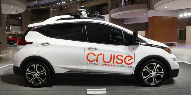 GM's Cruise autonomous car company postpones self-driving