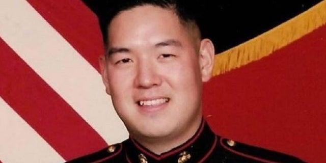 Christopher Ahn(U.S. Marine Corps)