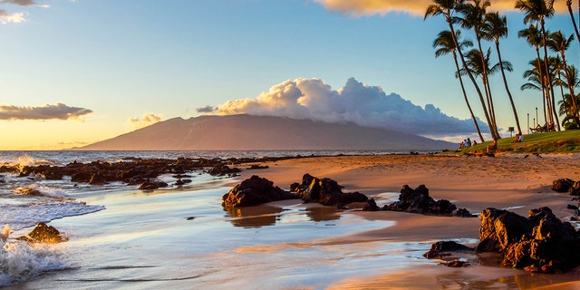 Hawaii Gov. David Ige said Friday that the state will drop its quarantine and COVID-19 testing requirements for travelers once 70% of the state's population has been vaccinated against the disease. (iStock)