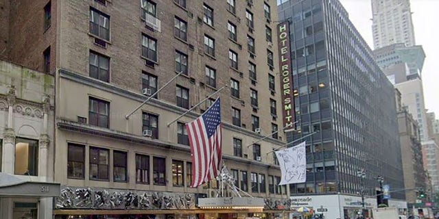 Westlake Legal Group hotel-roger-smith Man leaps to death after ordering drink at Manhattan rooftop bar fox-news/travel/vacation-destinations/new-york-city fox news fnc/us fnc Brie Stimson article 4c6409c4-cba3-5b9b-b8f0-0cd1c85e1fdd