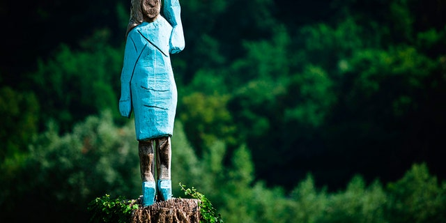 """First Lady Melania Trump's Slovenian home city is profitable a reverence to her as a """"Slovenian hero"""" with wood-carved statue that has lifted some eyebrows, with some decrying it as a """"scarecrow.""""br data-cke-eol=1"""