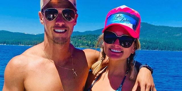 Brendan McLoughlin và Miranda Lambert rất thích dừng chân ở Lake Tahoe, Nevada.