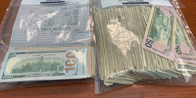 Westlake Legal Group money Good Samaritans in Georgia turn in cash picked up on highway after armored truck mishap, police say Paulina Dedaj fox-news/us/us-regions/southeast/georgia fox-news/good-news fox news fnc/us fnc cd18ee28-ca9d-579f-aa40-927547d17106 article