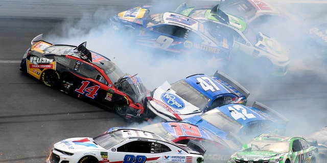 2019 Coke Zero Sugar 400 postponed until Sunday — NASCAR Cup Series