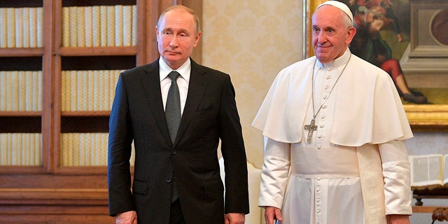 Westlake Legal Group pope-putin-2 Pope Francis and Putin meet at Vatican, discuss Syria, Ukraine fox-news/world/world-regions/russia fox-news/world/personalities/vladimir-putin fox-news/us/religion/roman-catholic fox-news/us/religion fox-news/person/pope-francis fox-news/food-drink/recipes/cuisines/eastern-europe fox news fnc/world fnc Elizabeth Llorente article 7afc662b-33f7-5305-97a3-58dbab2d4668