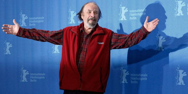 """FILE - In this Wednesday, Feb. 11, 2009, file photo, U.S. actor Rip Torn poses during a photo call for the competition movie """"Happy Tears,"""" at the Berlinale in Berlin. (AP Photo/Markus Schreiber, File)"""