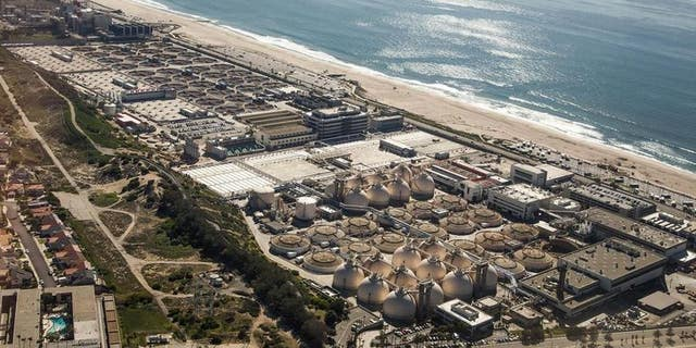 The Hyperion Water Reclamation Plant on Santa Monica Bay in Los Angeles is an example of a coastal wastewater treatment operation that could recover energy from the mixing of seawater and treated effluent.