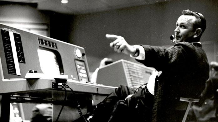 Chris Kraft, 1st flight director for NASA, dead at 95