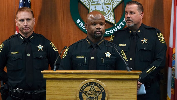 Broward County Sheriff's Office loses accreditation after school massacre, Florida airport shooting: report