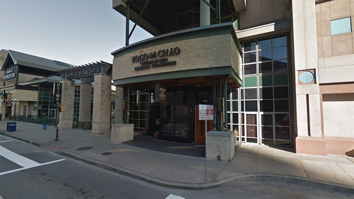 Steakhouse in San Antonio apologizes after manager asks officer with gun to leave the restaurant