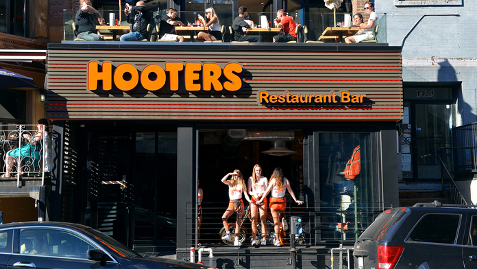 Hooters to launch 'premium spirits' line at restaurants, retail locations sometime this fall
