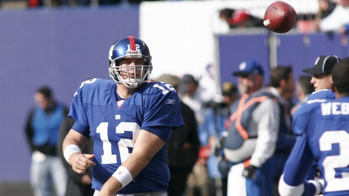 New York Giants' Eli Manning reflects on Jared Lorenzen's death after attending funeral