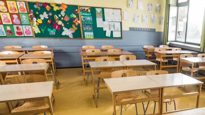 Florida schools required to teach mental health courses after state ed board vote