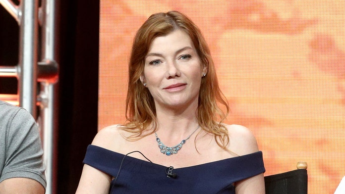 'Star Trek' actress Stephanie Niznik dead at 52