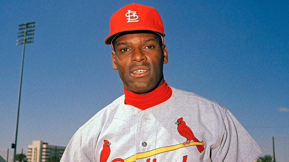 Legendary pitcher Bob Gibson, 84, dies after battle with pancreatic cancer