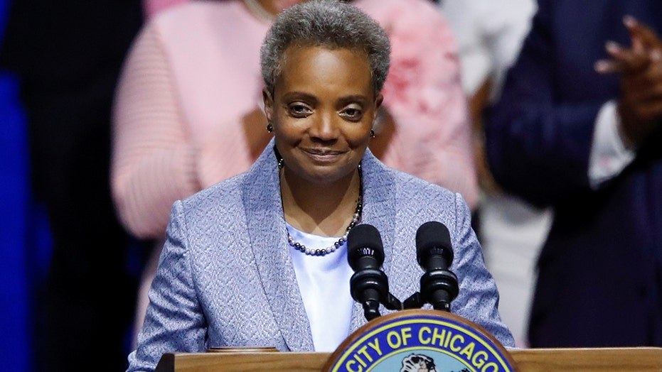 Chicago Mayor Lori Lightfoot caught on mic calling police union
