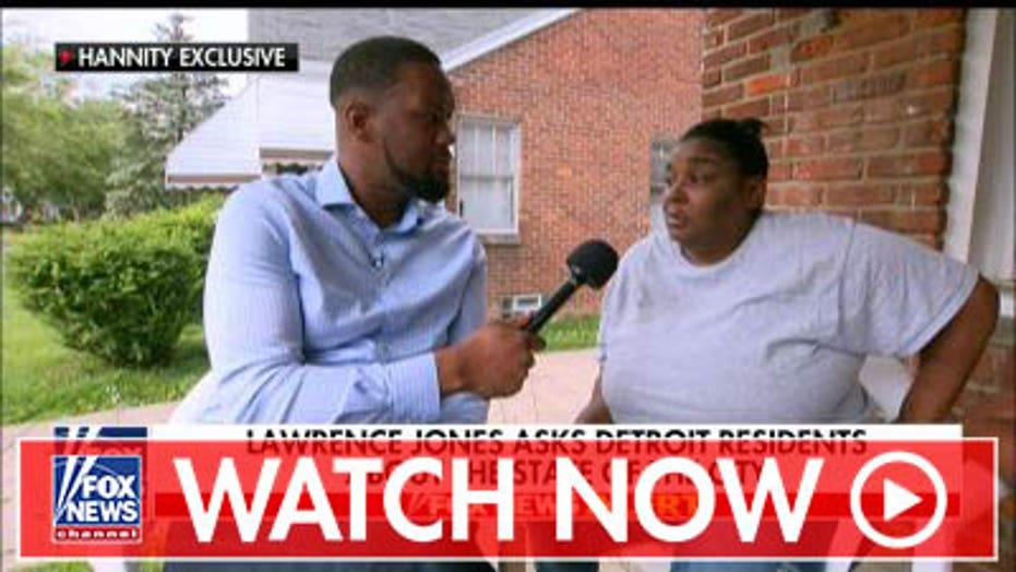 Lawrence Jones talks to Detroit residents