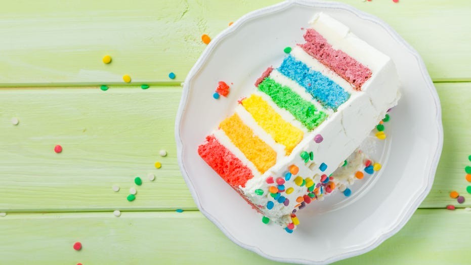 Marvelous Grandfather Accidentally Brings Cake Laced With Marijuana To Personalised Birthday Cards Veneteletsinfo