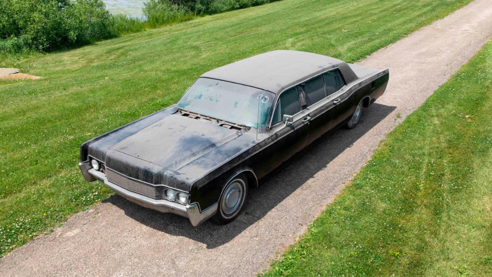 Elvis Presley's Lincoln Limousine