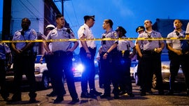 Philadelphia police pelted with objects, taunted during harrowing shootout, standoff: reports